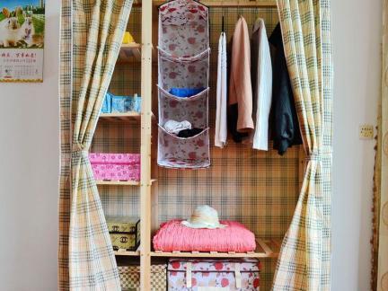 格子布衣柜