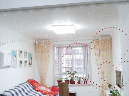 现代简约客厅珠帘隔断效果图欣赏