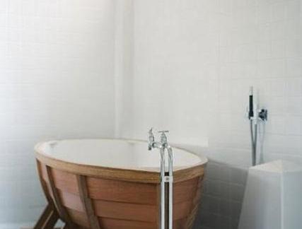 木浴缸室内图片