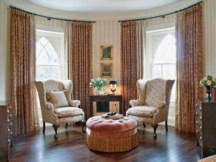 豪华客厅隔热窗帘装饰