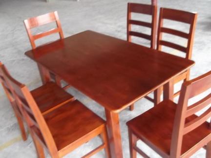 现代实木餐桌餐椅设计效果图