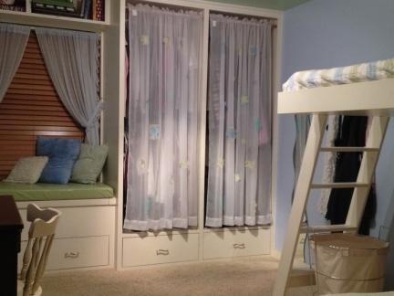 卧室窗帘图片 卧室飘窗窗帘装修效果图