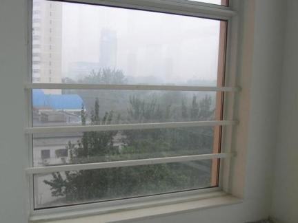 室内最新飘窗护栏图片