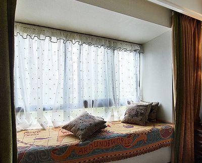 北欧时尚小卧室飘窗