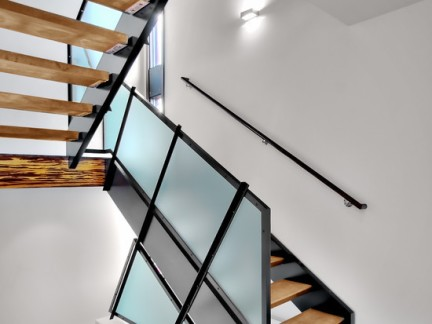 现代清新木楼梯扶手图片