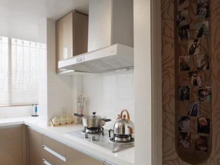 现代简约家用香槟色橱柜效果图