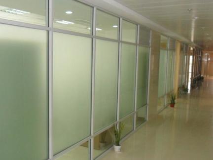 办公室磨砂玻璃隔断案例