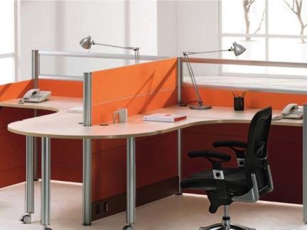办公桌隔断板效果图