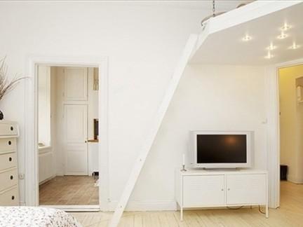 38平纯白地板小公寓