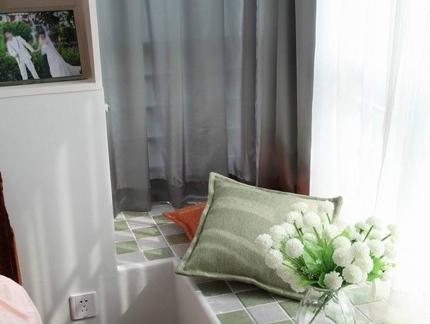 高清一室两厅清新小户型阳台飘窗装修效果图