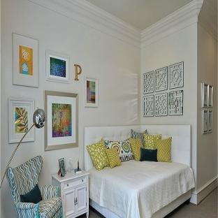 最新现代建筑卧室照片墙绘的家庭装饰设计图片