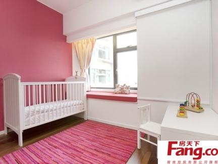 一室两厅现代欧式风格建筑卧室小户型飘窗装修效果图