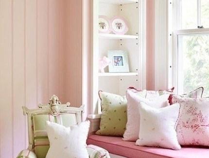 一室两厅现代欧式风格少女阳台小户型飘窗装修效果图欣赏