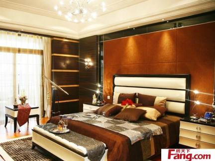 主卧室床之室内卧室床设计布局效果图欣赏