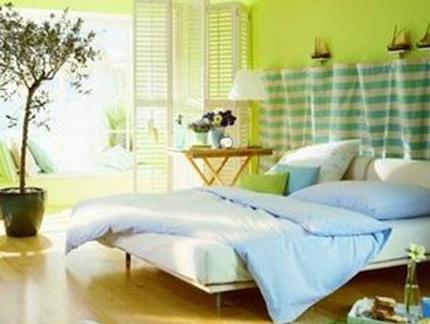 最新三室一厅时尚小孩房卧室水晶帘门效果图欣赏