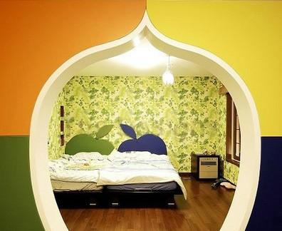 现代特色卧室门效果图