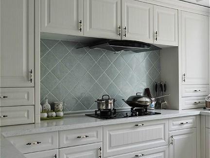 小户型白色简单实用厨房装修效果图大全2012图片