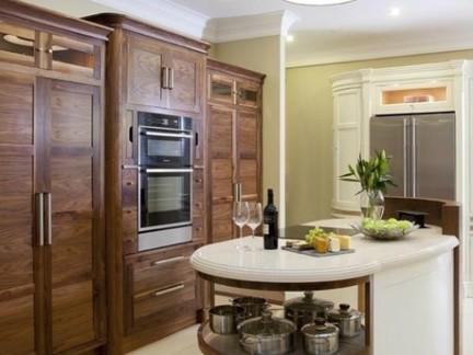 开放式厨房蓝色橱柜操作台装修效果图