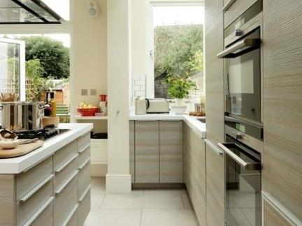 阳台式的厨房装修效果图 图片合集