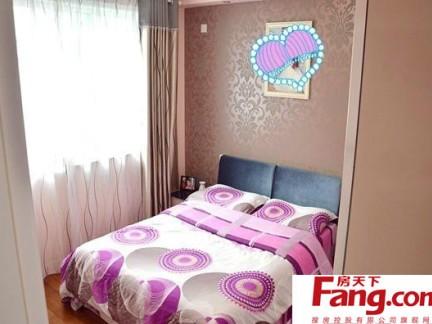 可爱女生甜美小卧室小平米装修图片