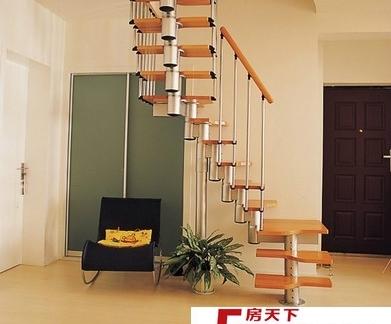 阁楼黑白经典楼梯装修效果图