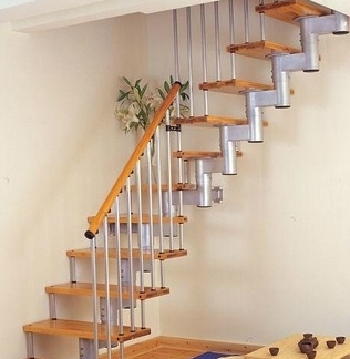 小户型客厅阁楼楼梯效果图