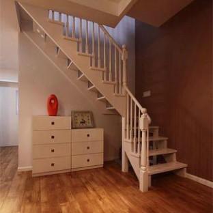 简约风格的跃层楼梯装修效果图图片