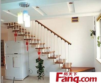阁楼客厅楼梯效果图片