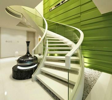 玻璃台阶旋转楼梯图片