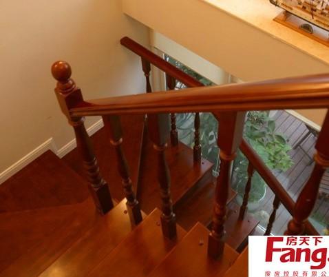 室内实木楼梯平面图图片