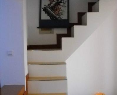 室内客厅清新阁楼楼梯图片