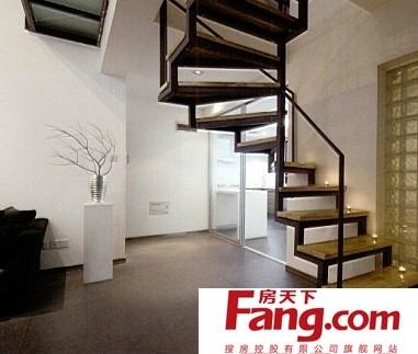 家居客厅阁楼楼梯效果图