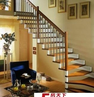 客厅复式楼梯效果图