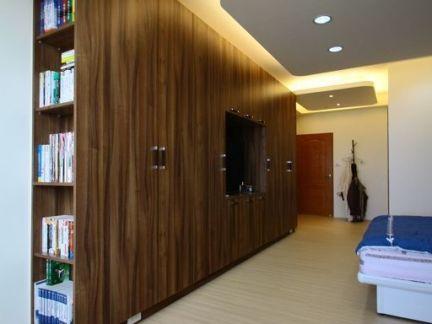 卧室实木整体壁柜装修效果图