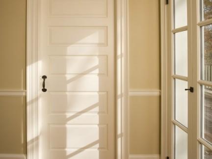 卧室白色实木复合门图片