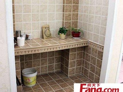家居简约卫生间瓷砖铺贴效果图