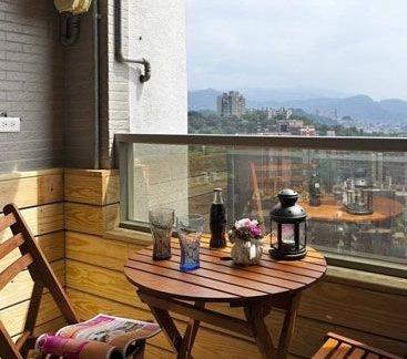 美式传统房间阳台装修效果图