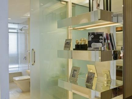 室内卫生间玻璃移动隔断门效果图