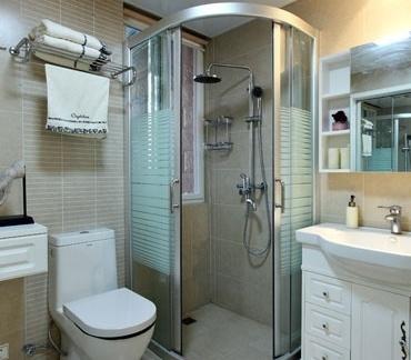 卫生间整体淋浴室隔断效果图