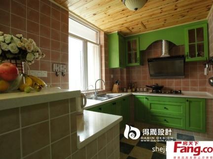 美式乡村风格小厨房整体橱柜装修效果图图片