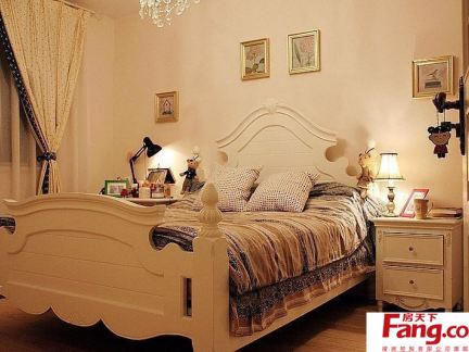 卧室家具床摆放图片