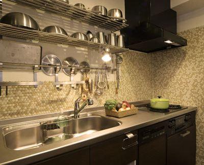 现代简约厨房不锈钢台面效果图