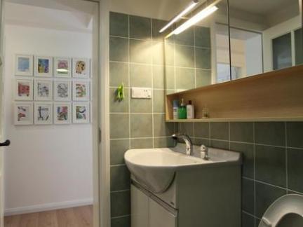 简约卫生间洗脸盆柜组合效果图