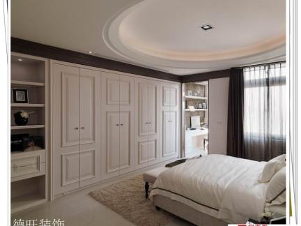 卧室一面墙 全是衣柜 效果图
