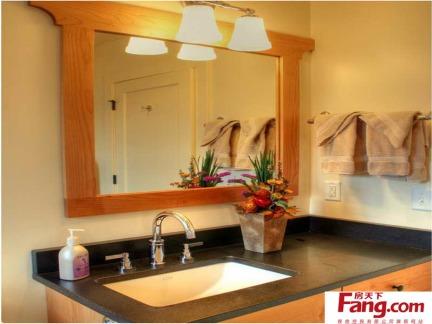 卫生间镜前灯装修效果图欣赏