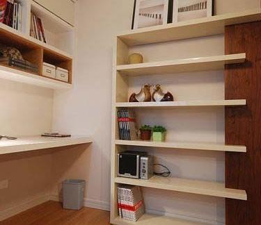 017墙上简易书架设计图片 房天下装修效果图