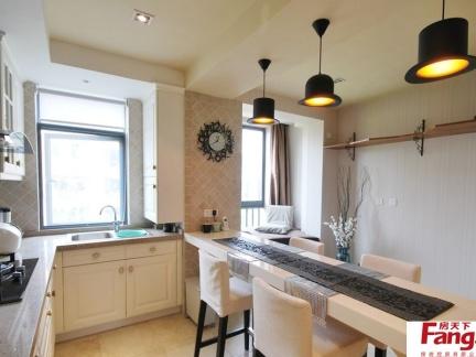 小厨房带餐厅吊灯装修效果图