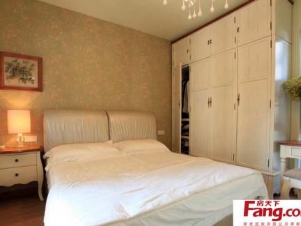 简约卧室四门衣柜设计图图片
