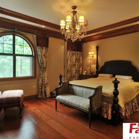 美式主卧室吊顶效果图-搜房网装修效果图图片