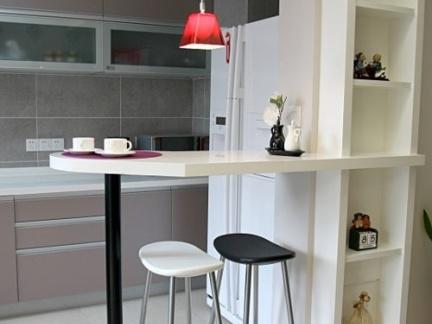 现代简约开放式小厨房吧台装修效果图